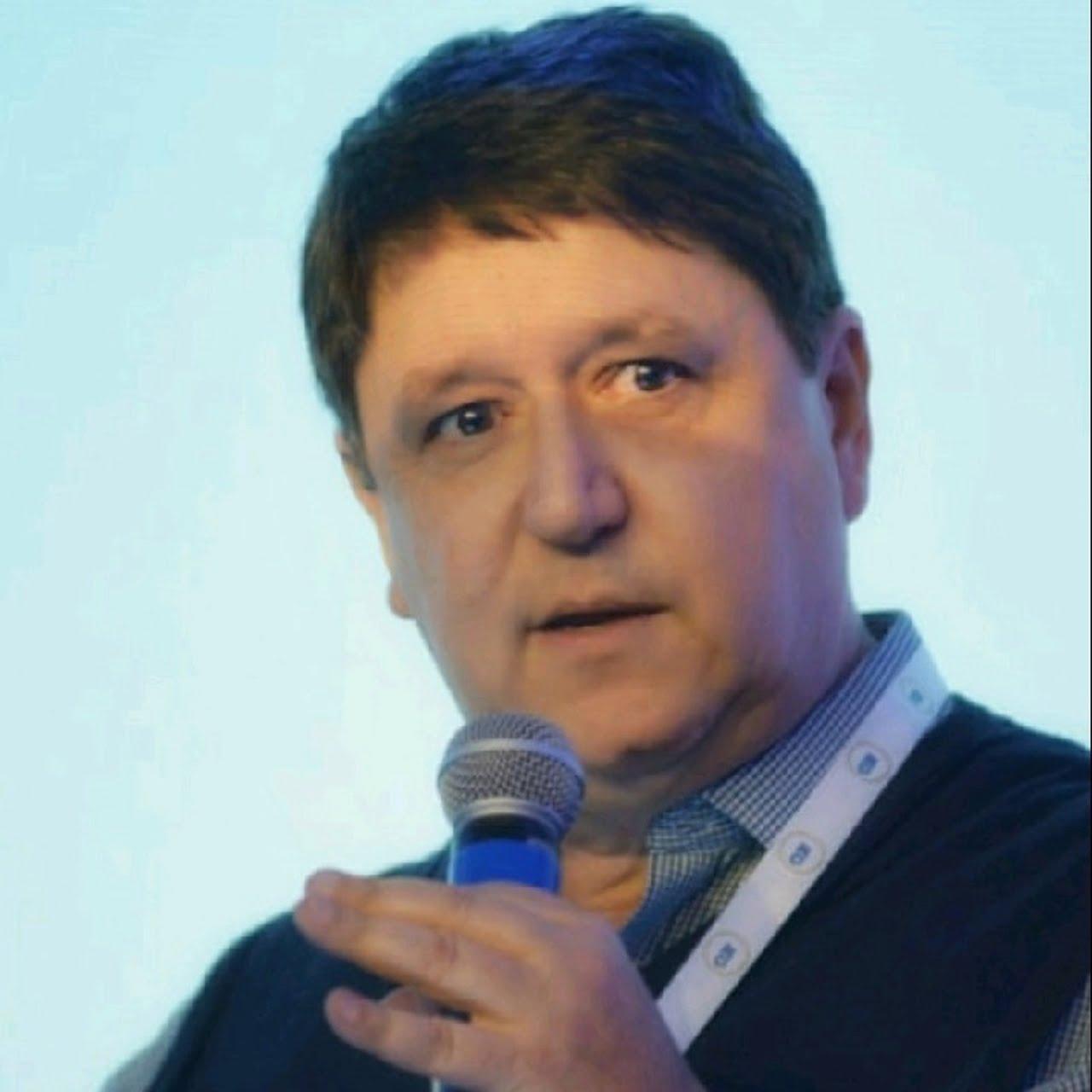 Márcio Vinholes | CEO